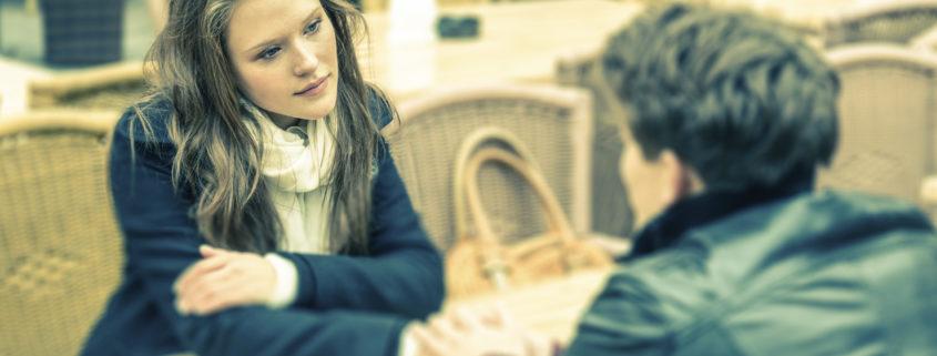 13種肢體語言總整理,弄好人際、業績成交必讀